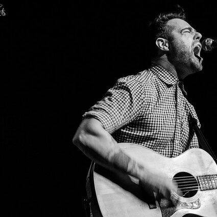 Joe Ginsberg (of Chuck Ragan And The Camaderie) is coming to Europe