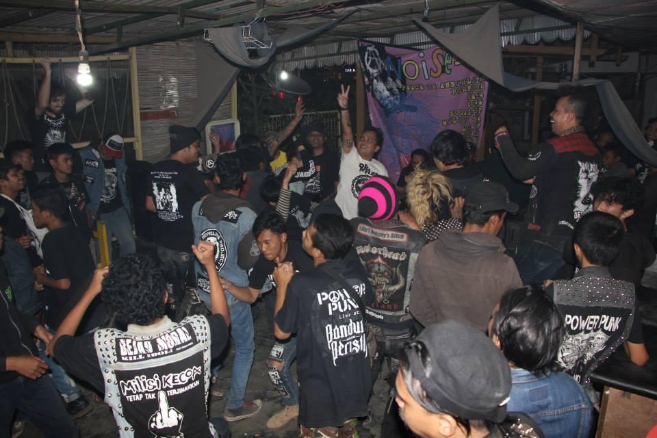 mosh pit in Bandung